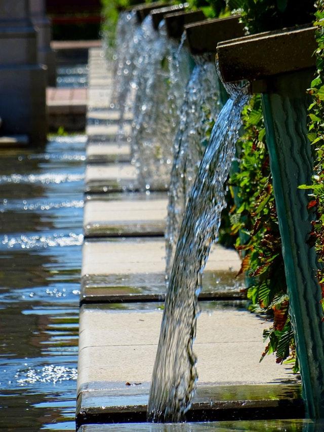Waterornament in je tuin en of een prachtige fontein